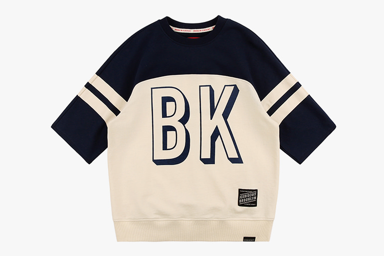 아이스비스킷 - BKNY crop sweatshirt